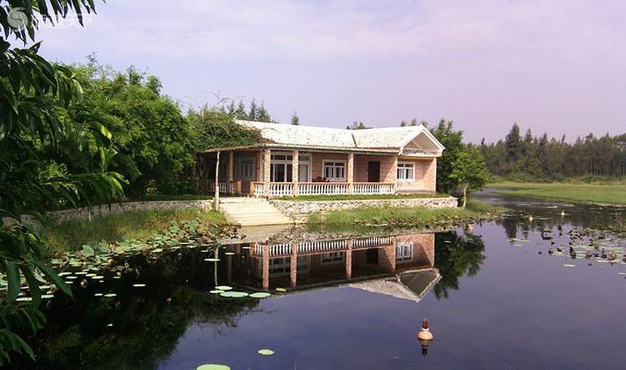 海尾湿地公园湖中别墅